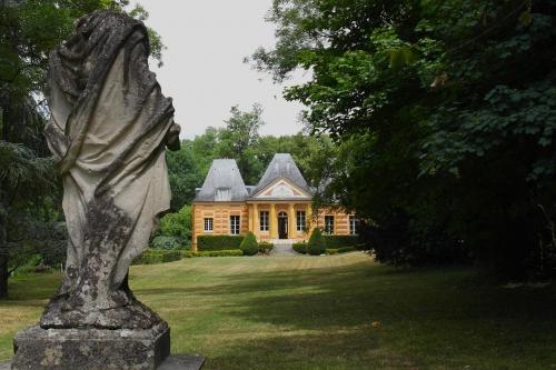 Au château de Suisnes 1..jpg