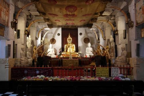 Kandy - Temple de la dent 11.jpg