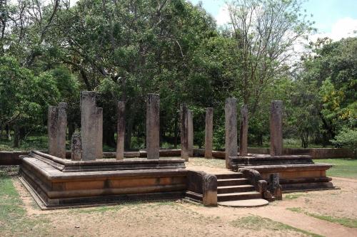 Ruines d'un temple.jpg