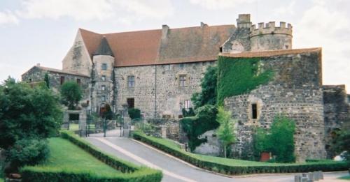 Auvergne - Saint-Saturnin - 08-2004 (5).jpg
