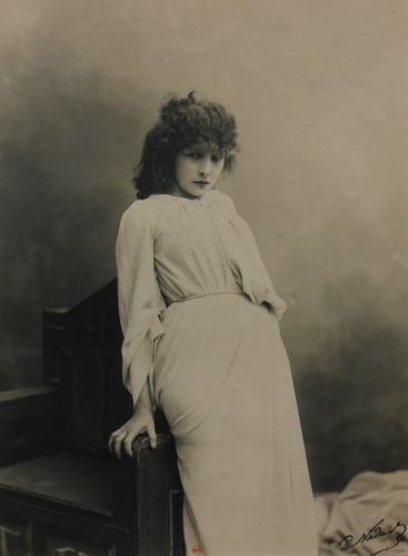 paul nadar,Sarah Bernhardt dans Macbeth,Sarah Bernhardt,frédéric tison,photographie