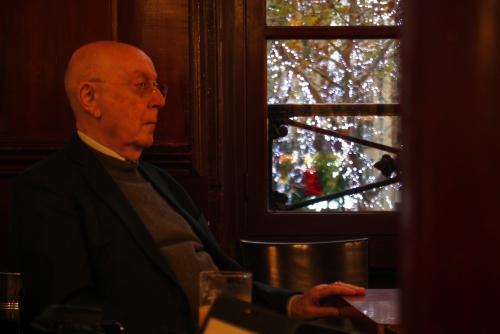 Le poète Paul Farellier — remise du prix Aliénor de poésie à Frédéric Tison, Lipp, Paris, décembre 2016.JPG